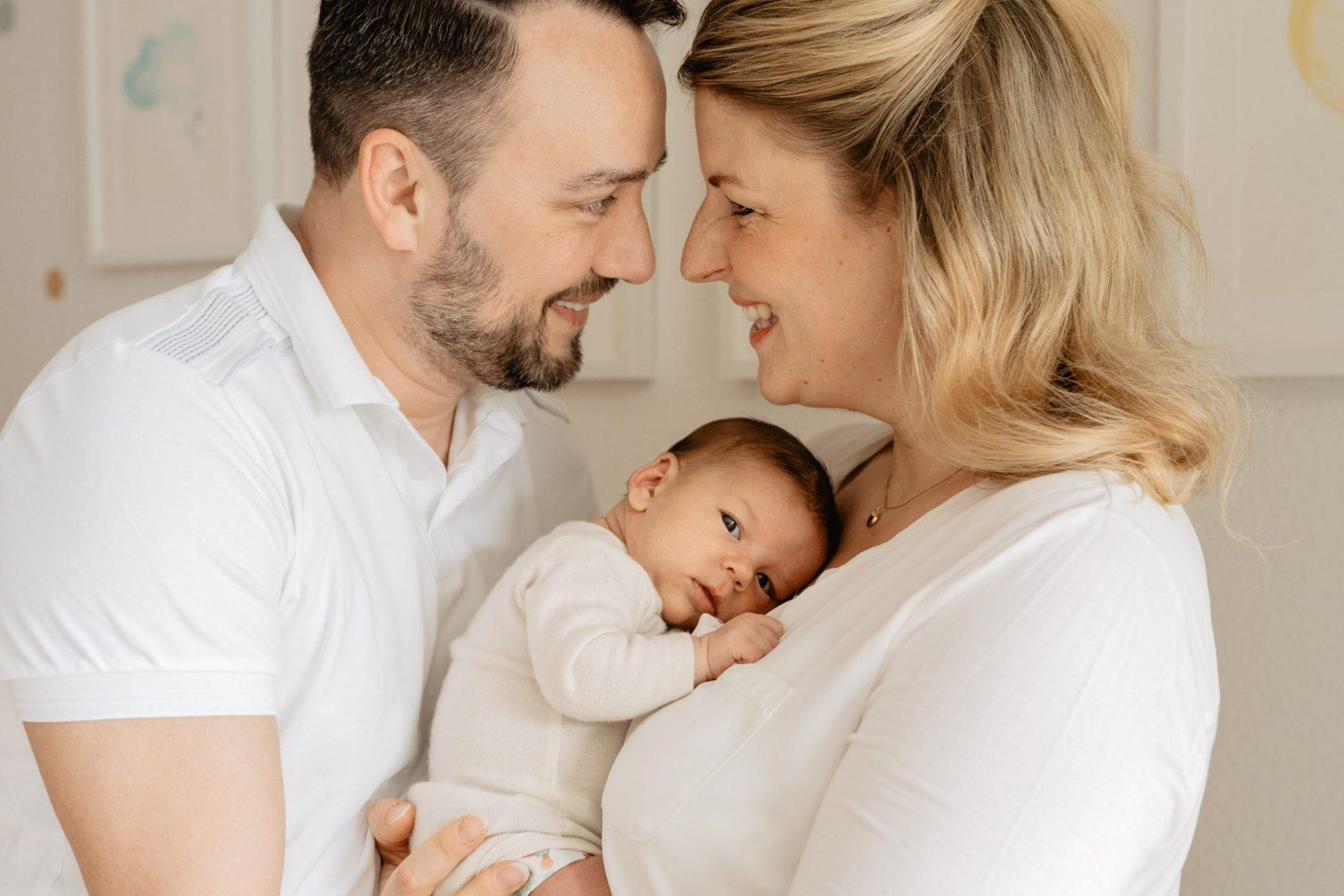 Neugeborenenfotografin-Julia-Loeffler-Fotografie Heilbronn